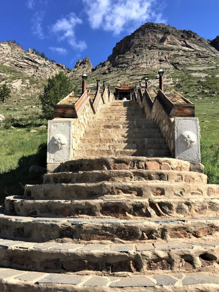 Mongolia-templentrance